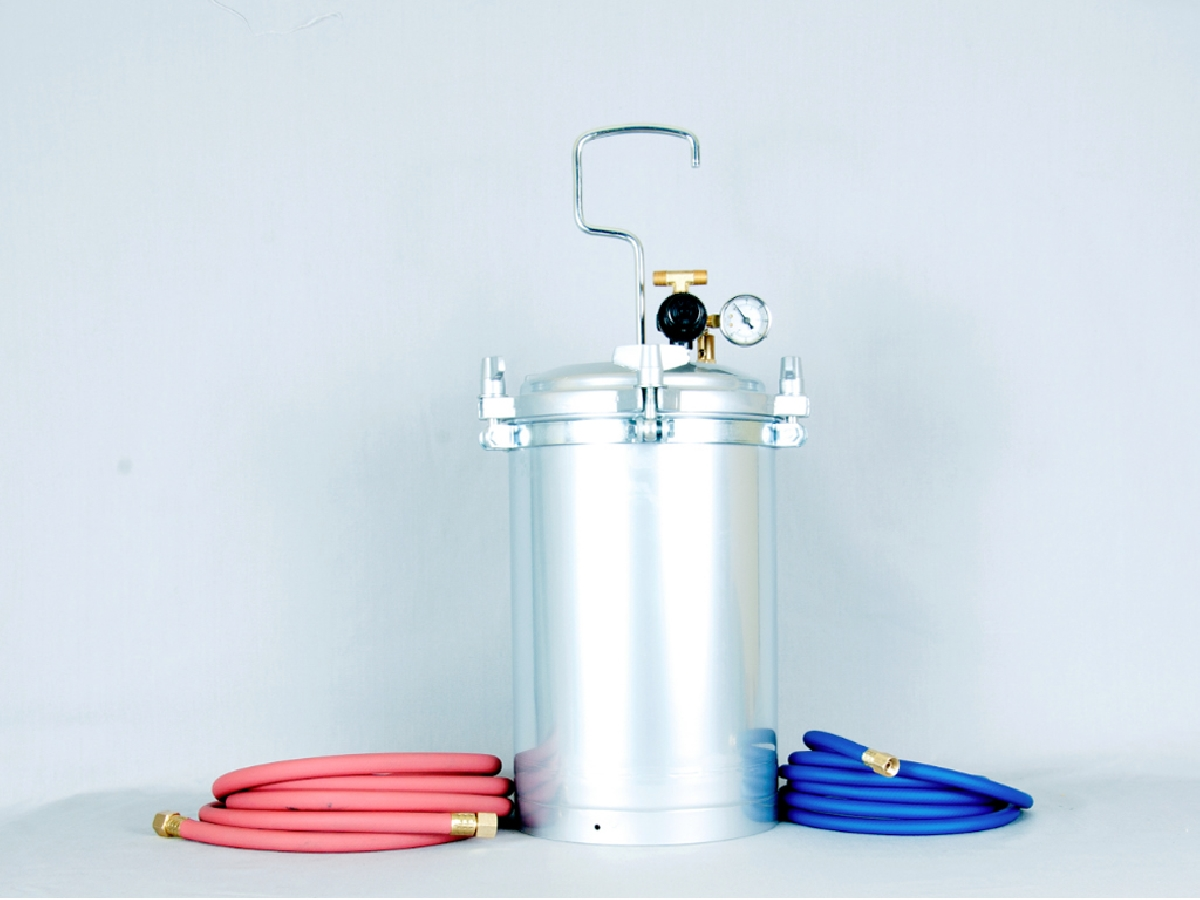 2.5 gallon pressurized paint tank